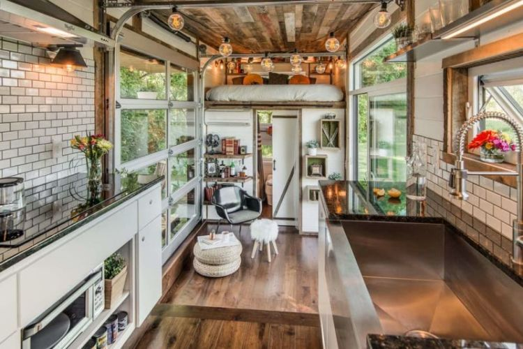 Alpha-Tiny-House-interior