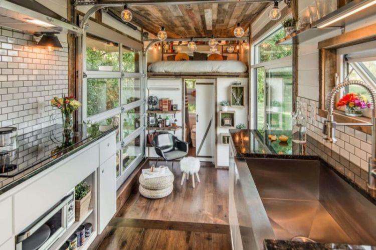 Alpha-Tiny-House-interior